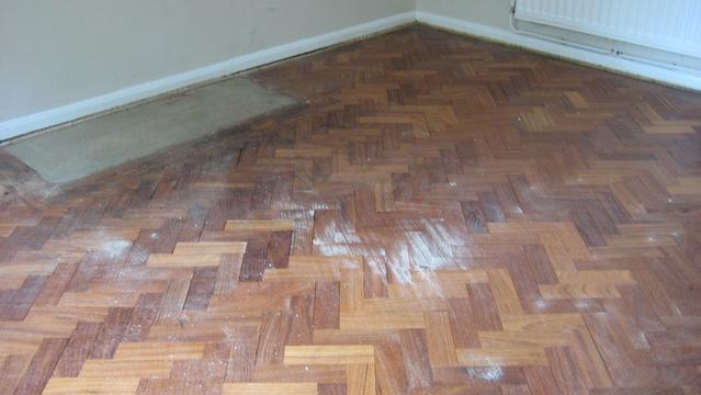 Parquet floor repair before